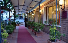Casa Rossa Resort - Montecatini Terme-1