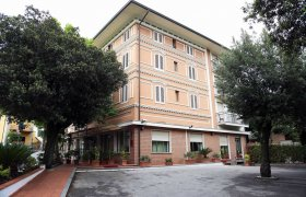 Casa Rossa Resort - Montecatini Terme-0